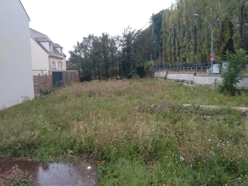 Terrain constructible de   m2 - Saint-Germain-lès-Arpajon (91180)