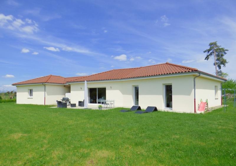 Maison individuelle de 122  m2 - Sansac-de-Marmiesse (15130)