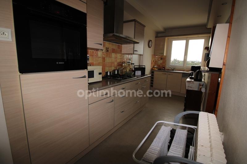 Appartement de 80  m2 - Saint-Brieuc (22000)