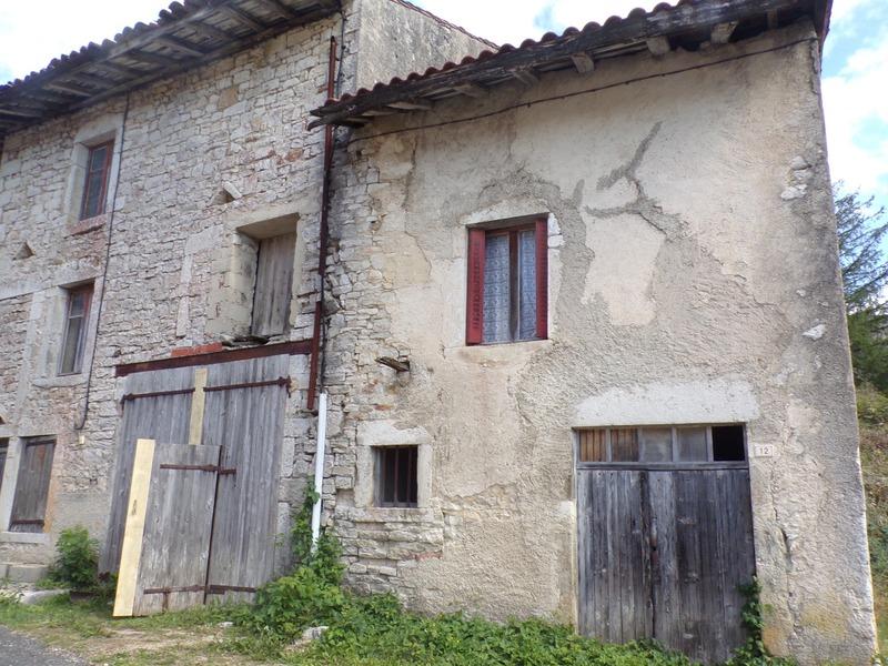 Grange de 104  m2 - Corveissiat (01250)