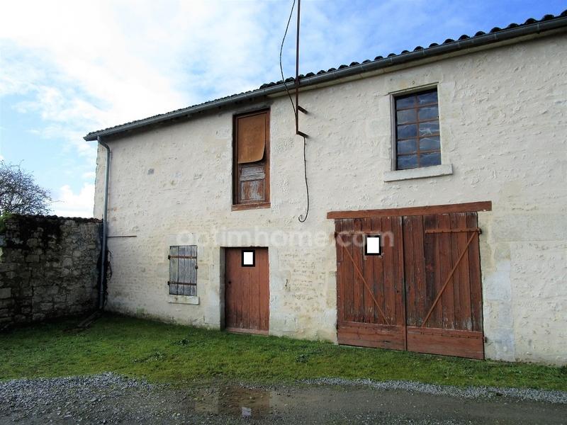 Grange de 90  m2 - Fontenay-le-Comte (85200)