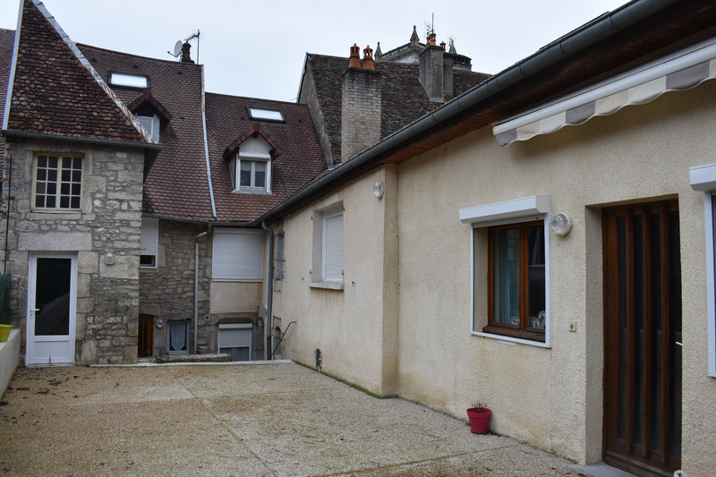 Immeuble de rapport de   m2 - Baume-les-Dames (25110)