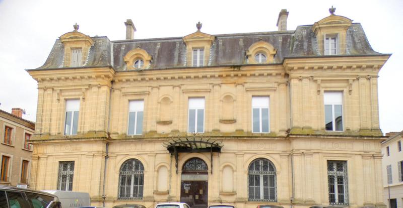 Immeuble de bureaux de   m2 - Villeneuve-sur-Lot (47300)