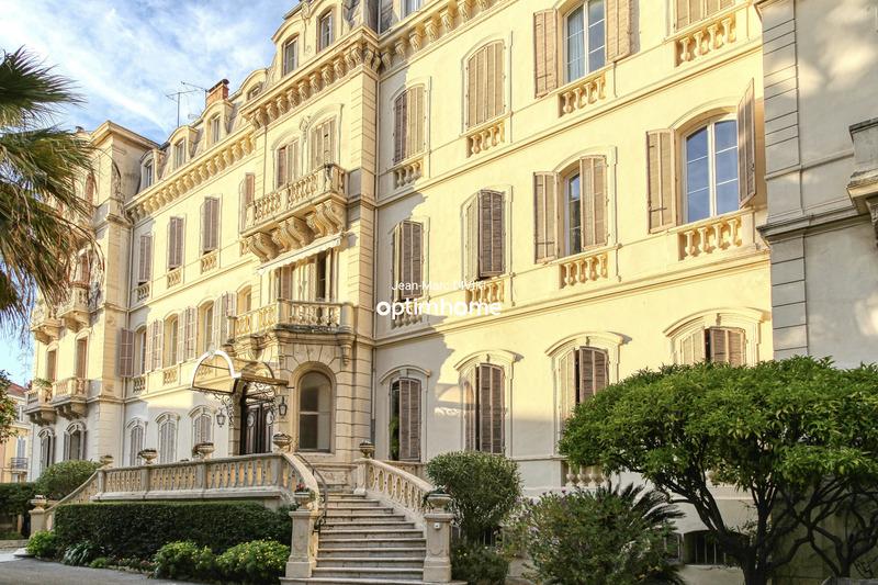 Appartement bourgeois de 121  m2 - Cannes (06400)