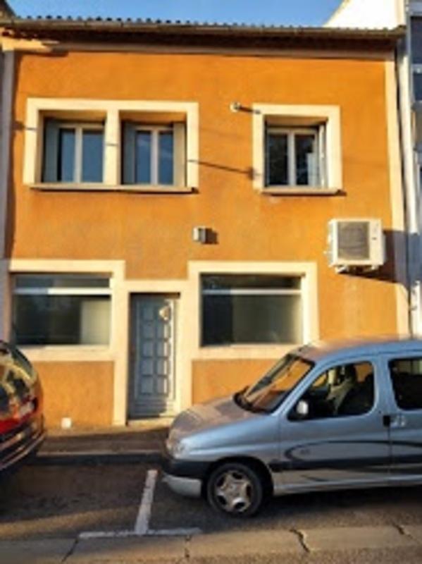 Maison de 240  m2 - Pierrelatte (26700)