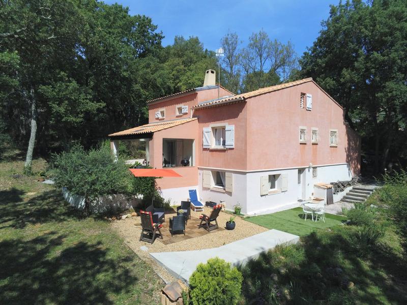 Villa de 120  m2 - Bagnols-en-Forêt (83600)
