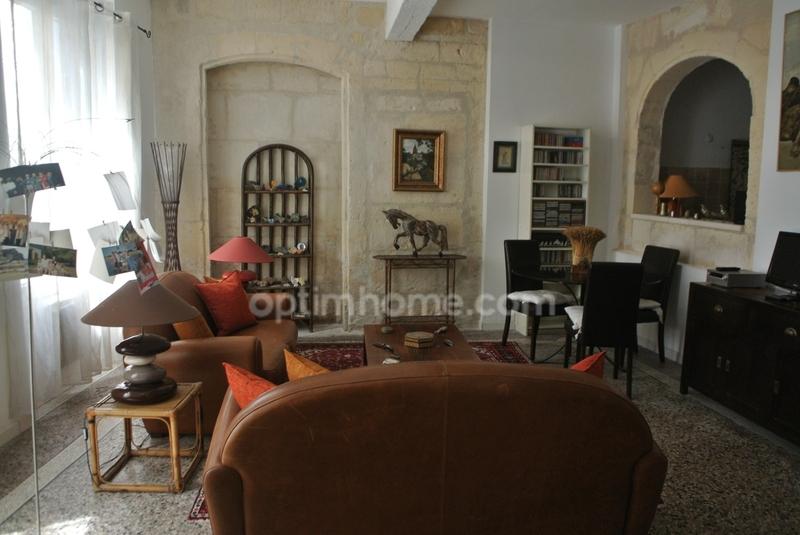 Maison de 300  m2 - Arles (13200)