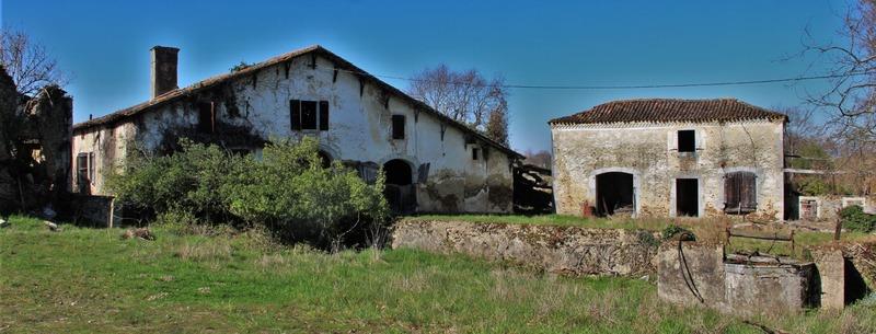 Maison à rénover de 290  m2 - Arsague (40330)