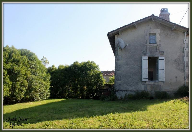 Maison en pierre de 68  m2 - Aubeterre-sur-Dronne (16390)
