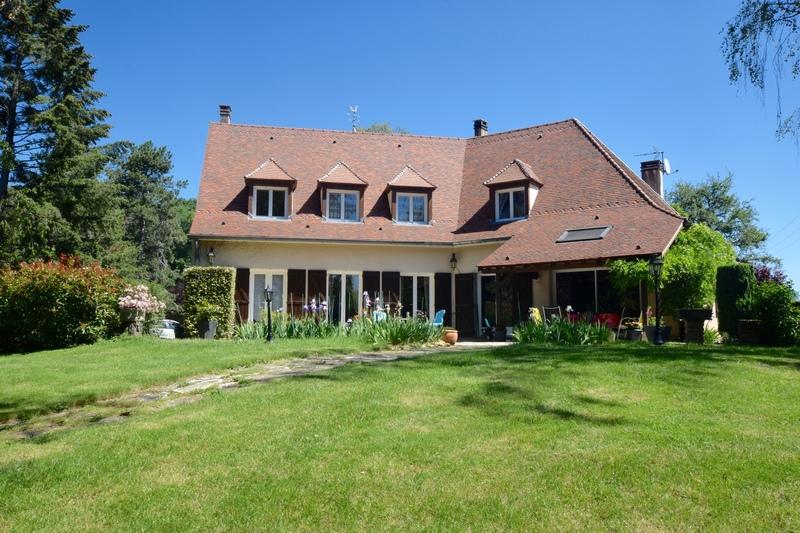 Maison de 212  m2 - Avallon (89200)