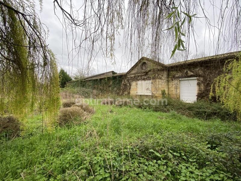 Maison en pierre de 320  m2 - Beychac-et-Caillau (33750)