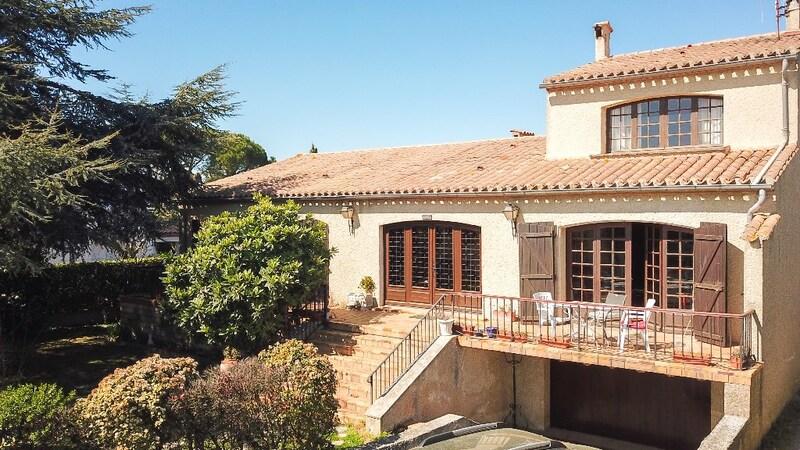 Villa d'architecte de 191  m2 - Carcassonne (11000)