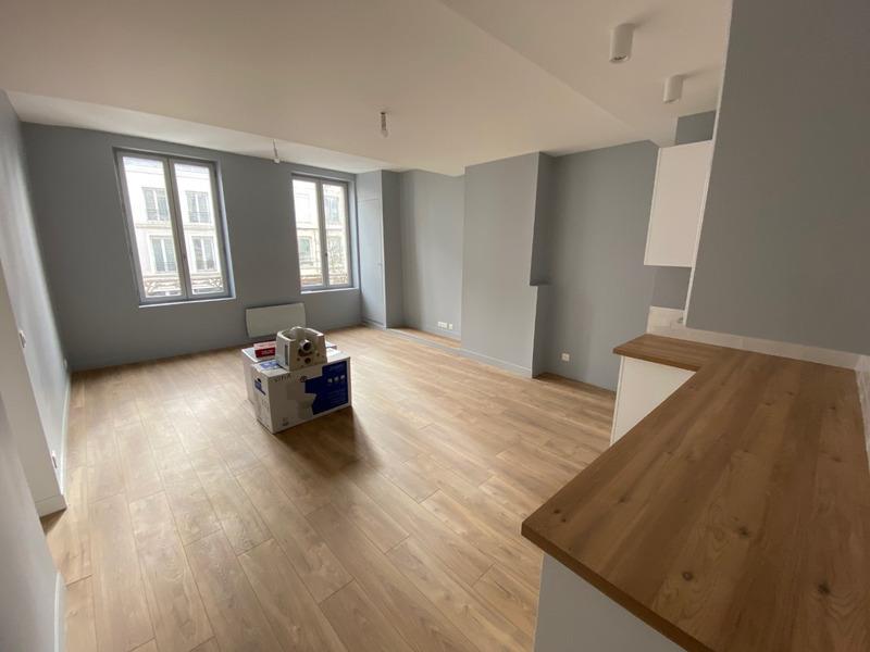 Appartement rénové de 73  m2 - Arras (62000)