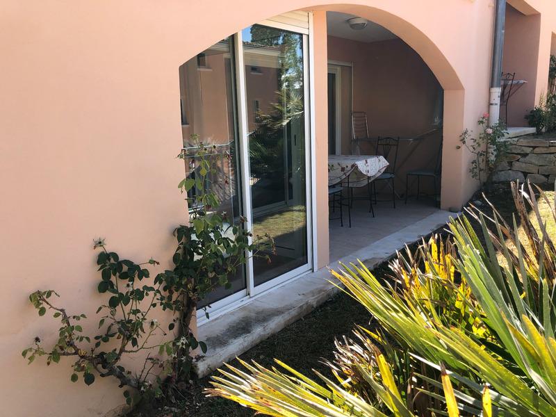Appartement en résidence de 34  m2 - Gréoux-les-Bains (04800)