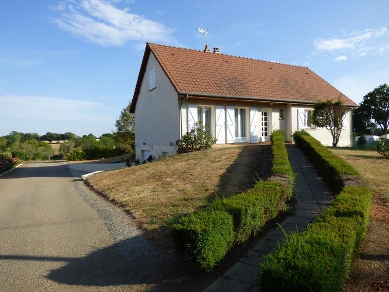 Villa de 215  m2 - Montilly (03000)