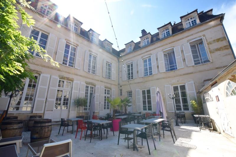 Hôtel particulier de 349  m2 - Avallon (89200)