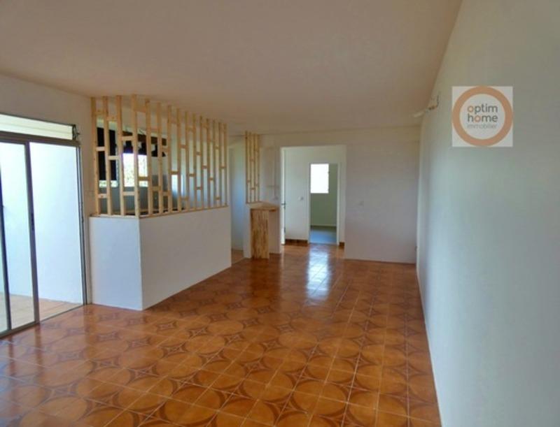 Appartement en rez-de-jardin de 97  m2 - Rivière-Salée (97215)