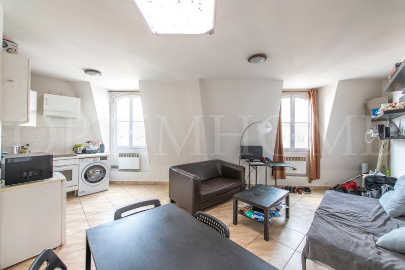 Appartement bourgeois de 47  m2 - Paris (75009)