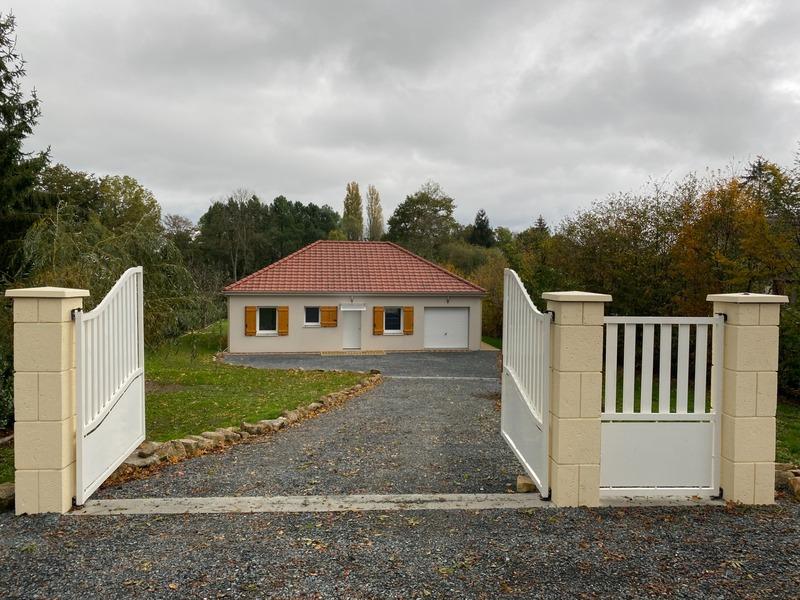 Pavillon de 75  m2 - Dun-le-Palestel (23800)