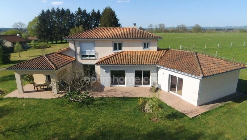 Villa de 230  m2 - Saint-Junien (87200)