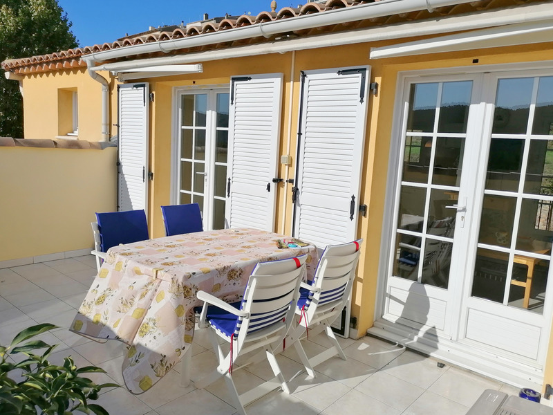 Appartement en résidence de 51  m2 - Bagnols-en-Forêt (83600)