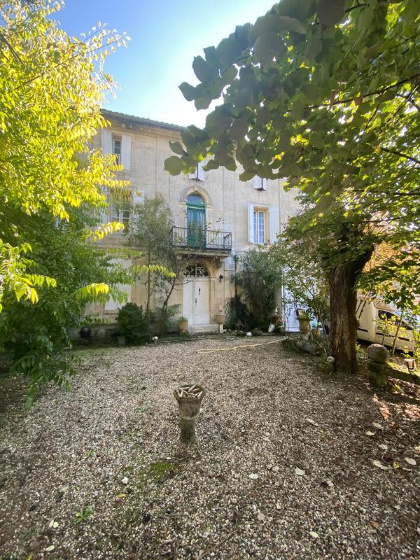 Maison de maître de 300  m2 - Saint-Denis-de-Pile (33910)