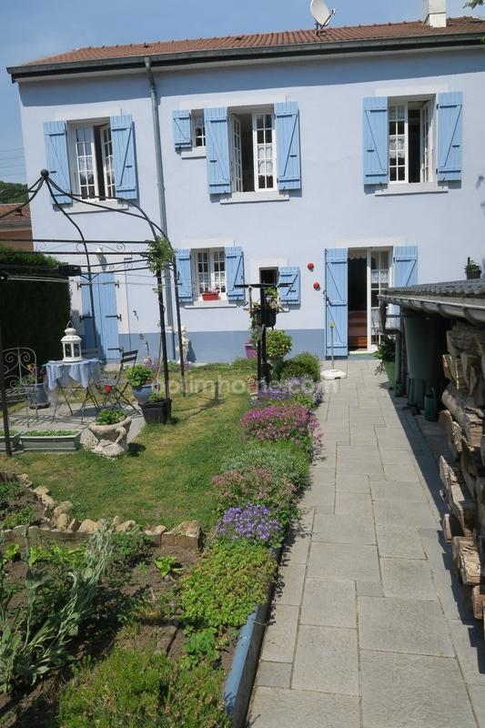 Maison mitoyenne de 94  m2 - Longuyon (54260)