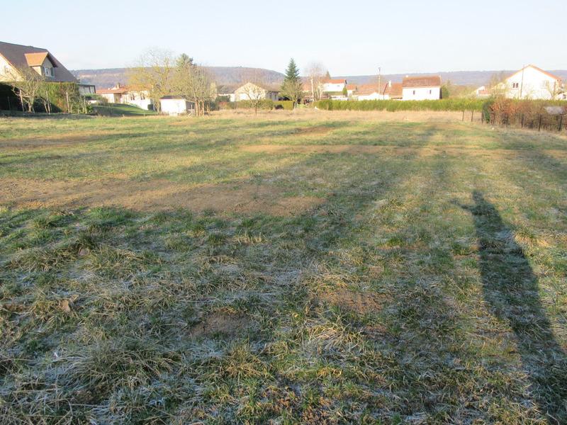 Terrain constructible de   m2 - Corny-sur-Moselle (57680)
