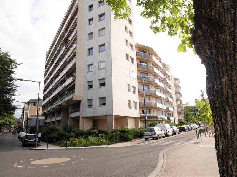 Appartement de 28  m2 - Brive-la-Gaillarde (19100)