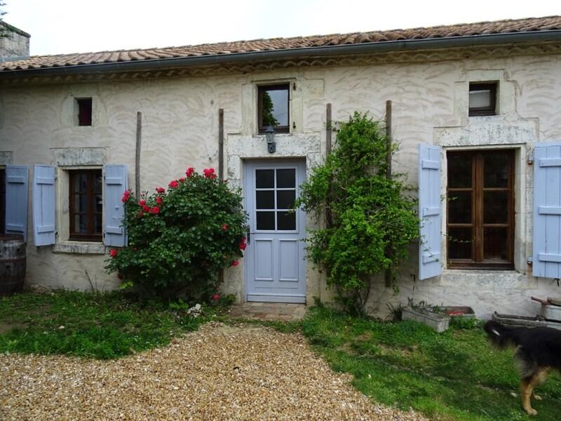 Maison en pierre de 160  m2 - Vars (16330)