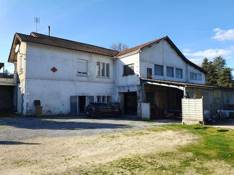 Maison de 160  m2 - Dignac (16410)