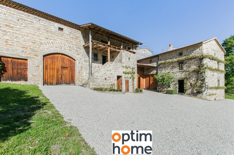 Maison de 300  m2 - Billom (63160)
