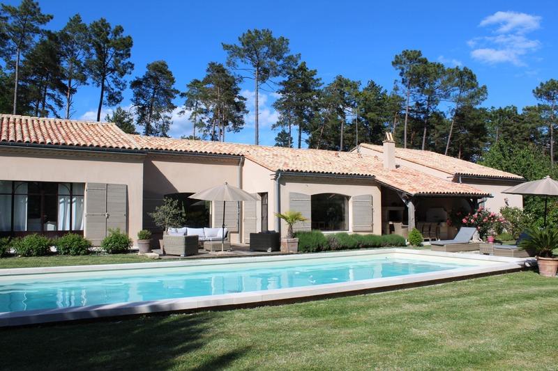 Villa d'architecte de 233  m2 - Périgueux (24000)