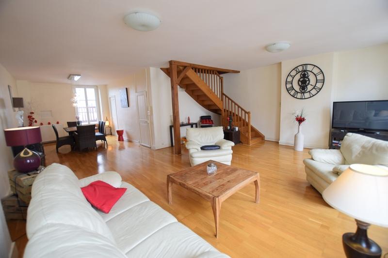 Duplex de 191  m2 - Avallon (89200)