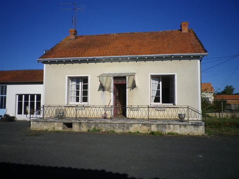 Maison à rénover de 100  m2 - Naintré (86530)