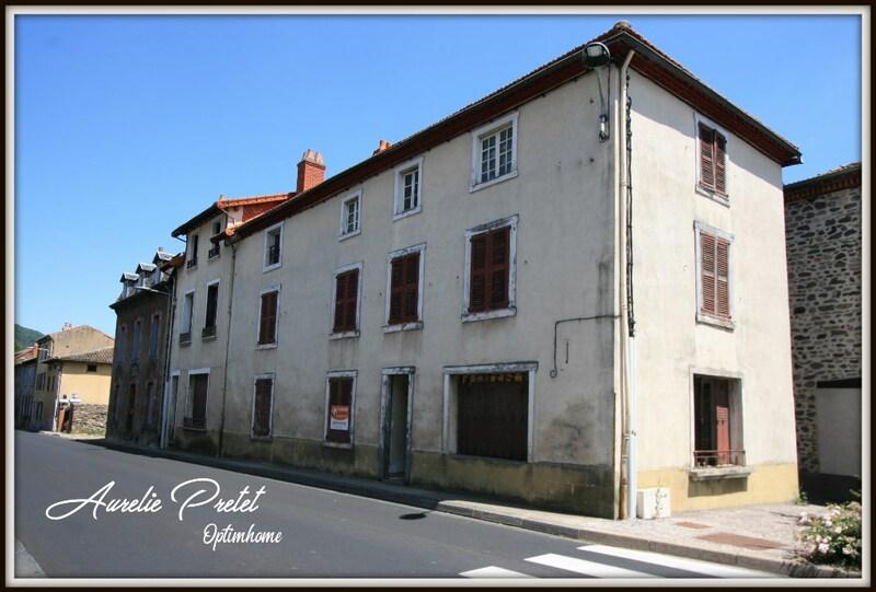 Maison de village de 150  m2 - Molompize (15500)