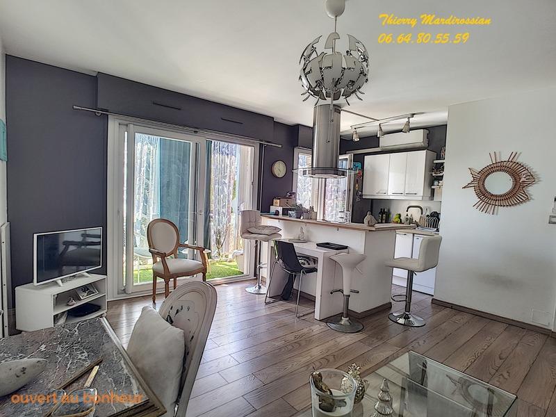 Appartement en résidence de 60  m2 - Sanary-sur-Mer (83110)