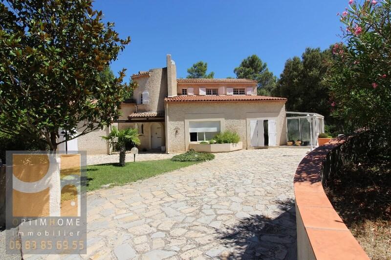 Villa de 235  m2 - La Bouilladisse (13720)