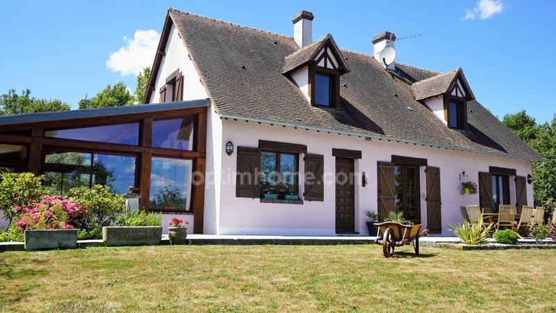 Maison de 207  m2 - La Loupe (28240)