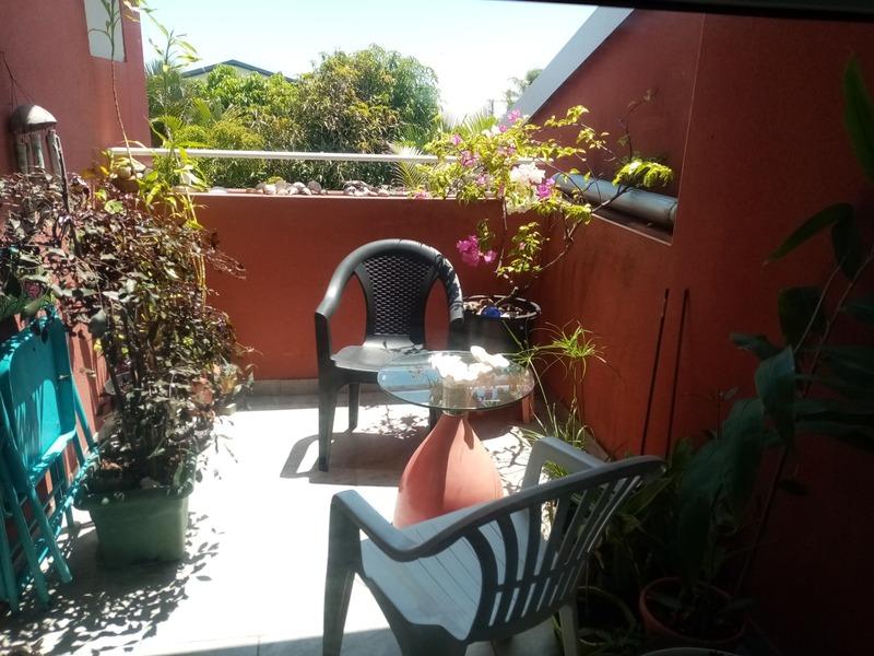 Appartement en rez-de-jardin de 96  m2 - Saint-Pierre (97410)