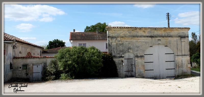 Haras/Équestre de 290  m2 - Baignes-Sainte-Radegonde (16360)