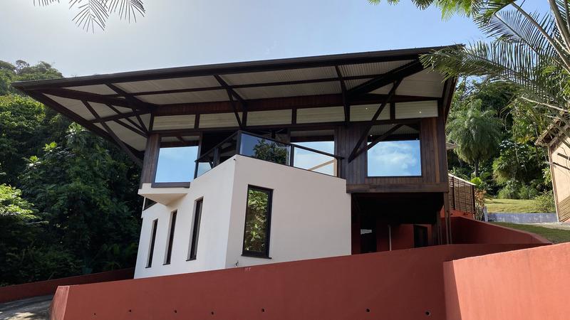 Villa d'architecte de 225  m2 - Cayenne (97300)