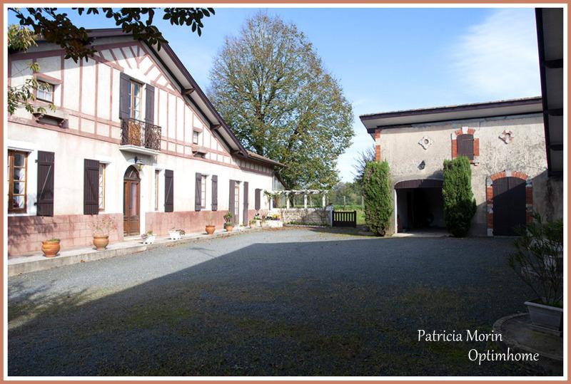 Maison de 227  m2 - Dax (40100)