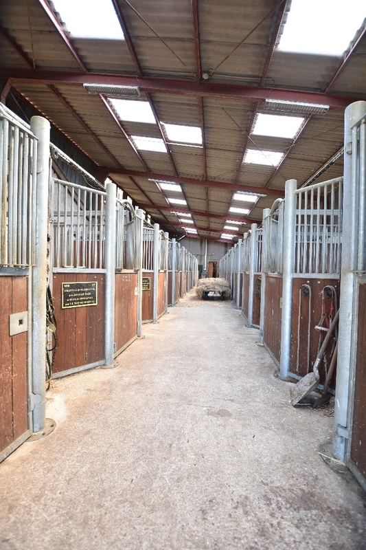 Corps de ferme de 236  m2 - Étain (55400)