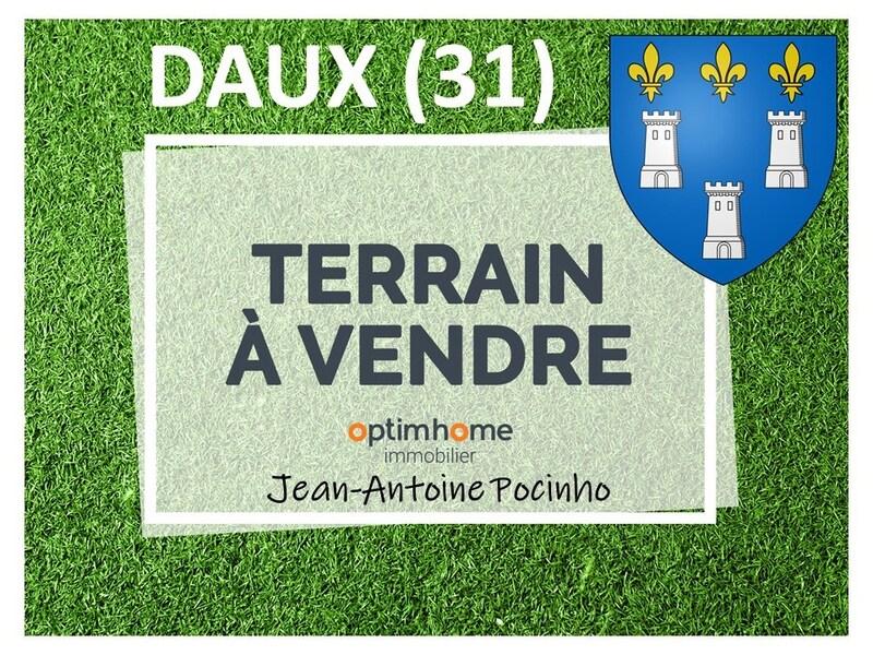 Terrain constructible de   m2 - Daux (31700)
