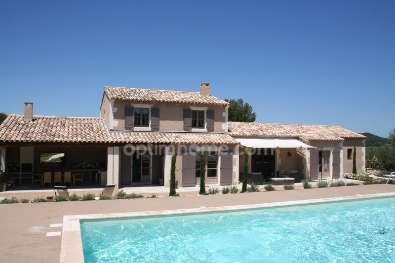 Maison de 200  m2 - Eygalières (13810)