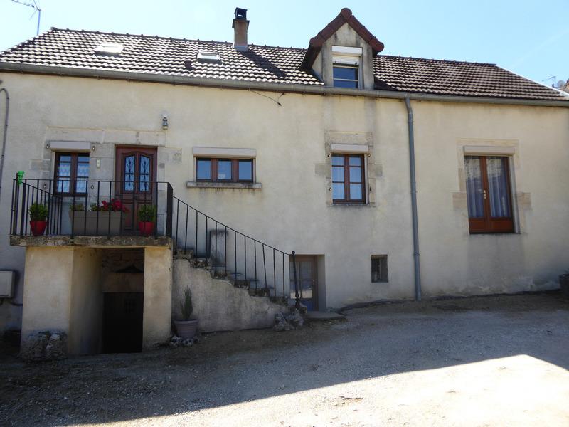 Maison en pierre de 102  m2 - Montbard (21500)