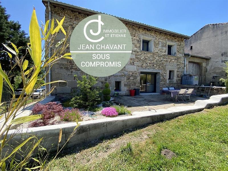 Maison en pierre de 230  m2 - Villars (42390)