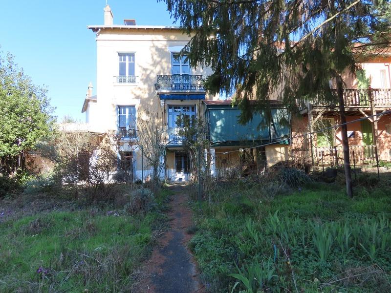 Maison de 200  m2 - Vichy (03200)
