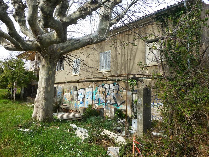 Maison à rénover de 300  m2 - Sanary-sur-Mer (83110)
